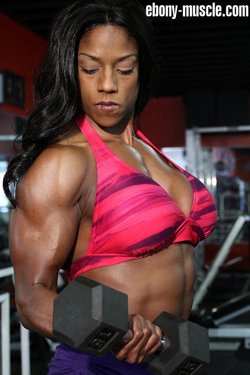Ebony muscle lesbians
