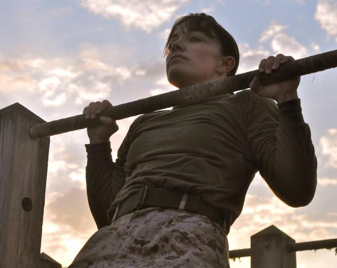 this-woman-is-fighting-fitness-double-standards-in-the-marines-body-image-1464297352-size_1000