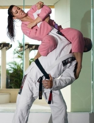self-defense-for-women-09