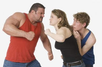 woman-fighting-man-630x418