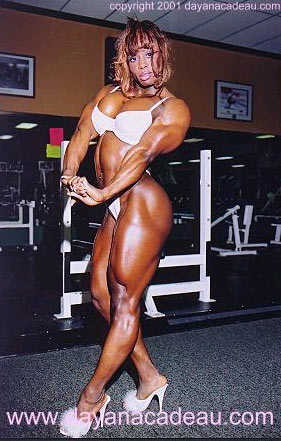 Dayana cadeau 01 female bodybuilder - 2 3