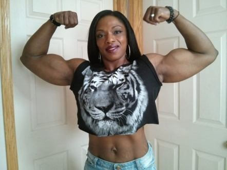 MuscleMaria-Physique-Bodybuildster-Canada-Jamaica-48