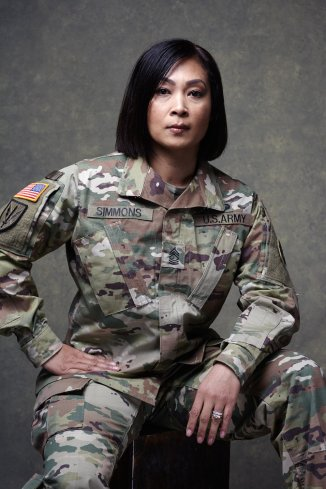Jenn-McIntyre-Military-Women-Simmons