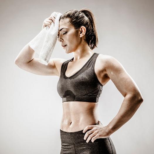 sweaty-woman-workout-clothes_2.jpgsweaty-woman-workout-clothes_2_0