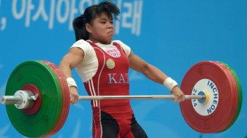 zulfiya-chinshanlo-kazakhstan-weightlifting_3484794