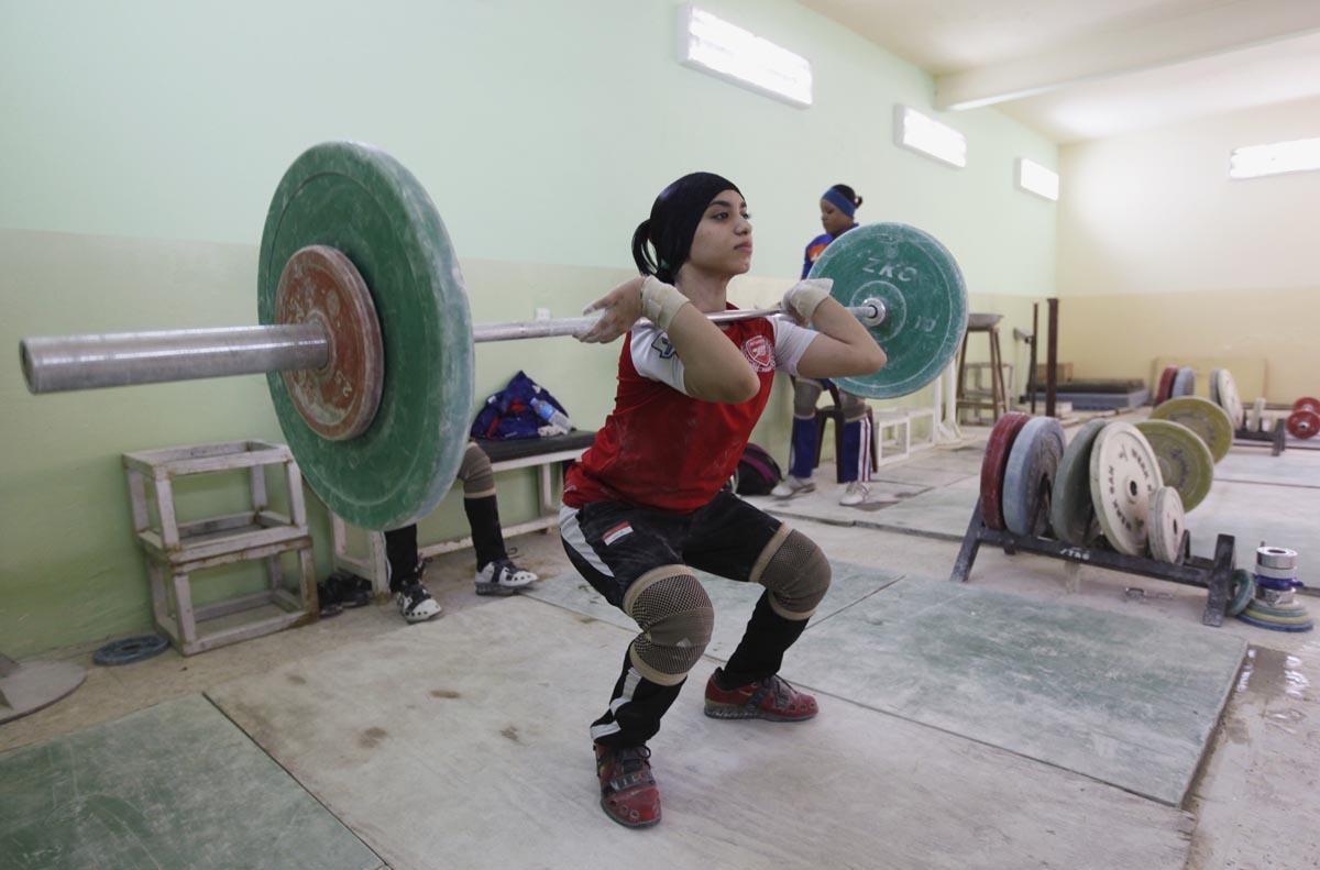 REU-IRAQ-FEMALE-WEIGHTLI-11.jpg