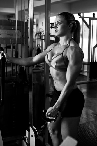 biceps,femalebodybuilder,gym,muscular,strong,woman-88cf797219ca67117461bf935e47ebcc_h